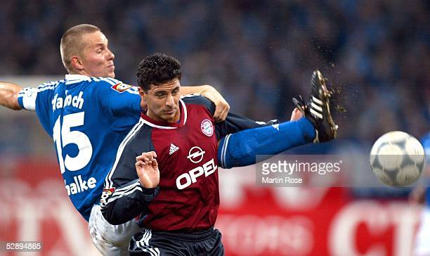 1 BUNDESLIGA 01/02 Gelsenkirchen FC SCHALKE 04 FC BAYERN MUENCHEN 51 Tomasz WALDOCH/SCHALKE Claudio PIZARRO/BAYERN
