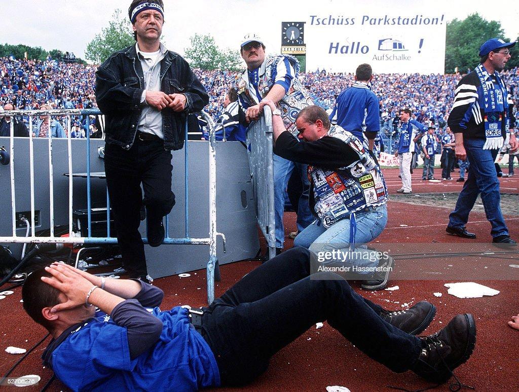 FC SCHALKE 04 - SpVgg UNTERHACHING 5:3 : News Photo