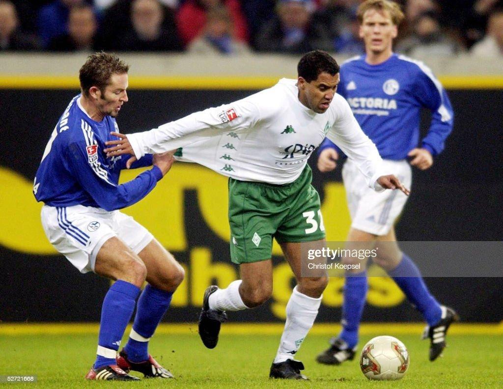 1. BUNDESLIGA 02/03, Gelsenkirchen; FC SCHALKE 04 - SV WERDER BREMEN 1:1; Sven VERMANT/SCHALKE, AILTON/BREMEN, Christian POULSEN