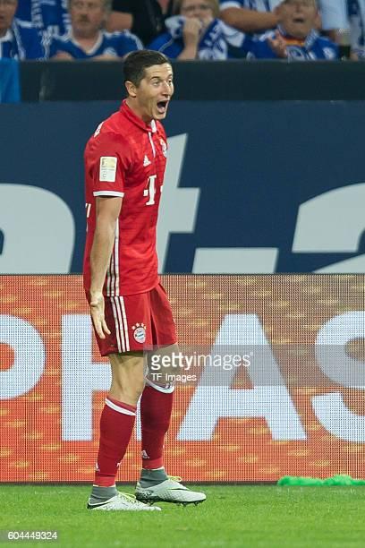 Gelsenkirchen, Germany , 1.Bundesliga 2. Spieltag, FC Schalke 04 - FC Bayern Muenchen, 0:2, Robert Lewandowski jubelt nach seinem treffer zum 0:1