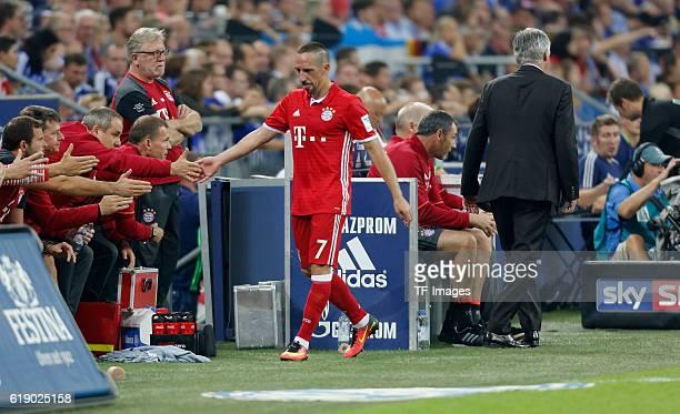 Gelsenkirchen Germany 1Bundesliga 2 Spieltag FC Schalke 04 FC Bayern Muenchen Cheftrainer Carlo Ancelotti wechselt Franck Ribery aus