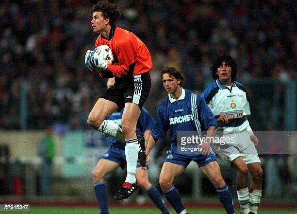 POKAL Gelsenkirchen SCHALKE 04 INTER MAILAND 10 Torwart Jens LEHMANN/SCHALKE