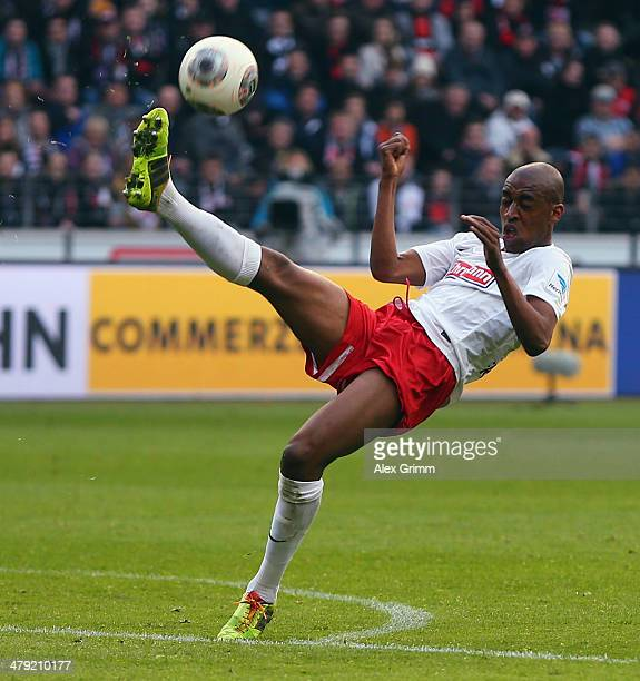 Gelson Fernandes of Freiburg controles the ball during the Bundesliga match between Eintracht Frankfurt and SC Freiburg at Commerzbank Arena on March...