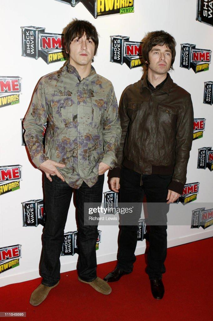 Gem Archer and Noel Gallagher of Oasis arrive at the Shockwaves NME Awards 2007