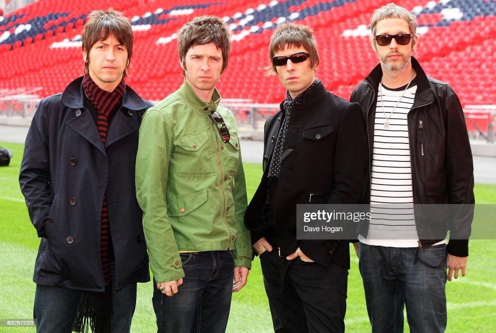 Oasis Photo Session At Wembley : News Photo