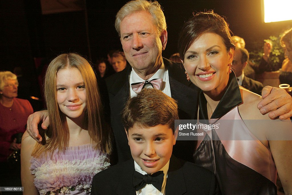 Wendy Crewson with ex-husband Micheal Murphy and children