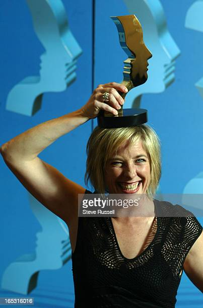 Julie Stewart from the Cold Squad celebrates her win for Best preforance by an Actress at the annual Gemini Awards in Toronto, November 4, 2002.