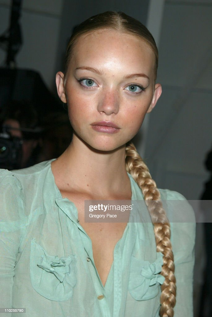 Olympus Fashion Week Spring 2006 - Carlos Miele - Backstage and Front Row : News Photo