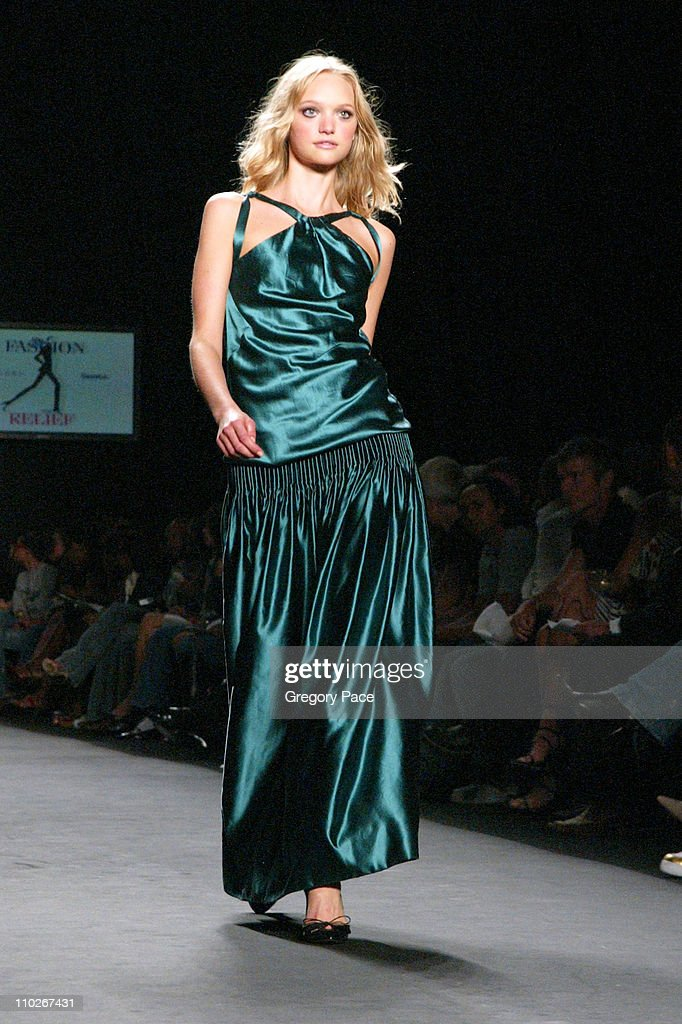 Olympus Fashion Week Spring 2006 - Fashion For Relief - On the Runway : News Photo