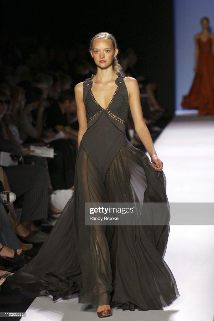 Olympus Fashion Week Spring 2006 - Zac Posen - Runway : News Photo