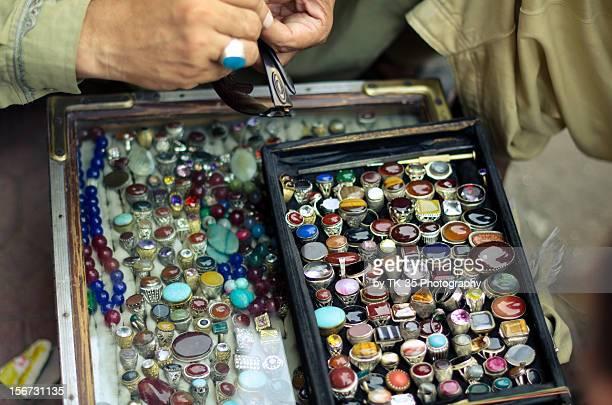 gemstone rings - ラワルピンディ ストックフォトと画像