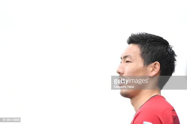 Gen Shoji of Kashima Antlers looks on during the preseason friendly match between Mito HollyHock and Kashima Antlers at K's Denki Stadium on February...