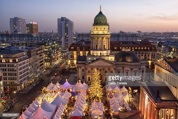 gendarmenmarkt - gendarmenmarkt stock pictures, royalty-free photos & images
