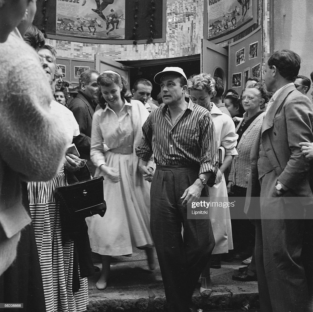 Gene Kelly and Betsy Blair. Cannes festival, 1955. : News Photo