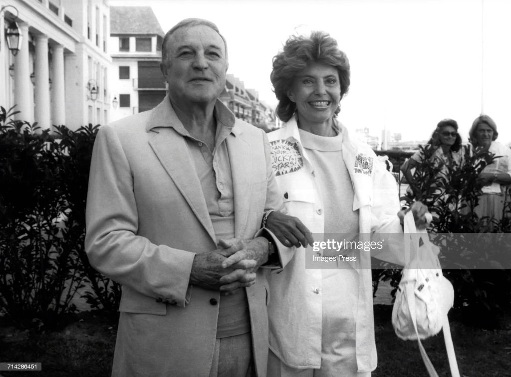Gene Kelly and Cyd Charisse at the Cannes Film Festival : Foto jornalística