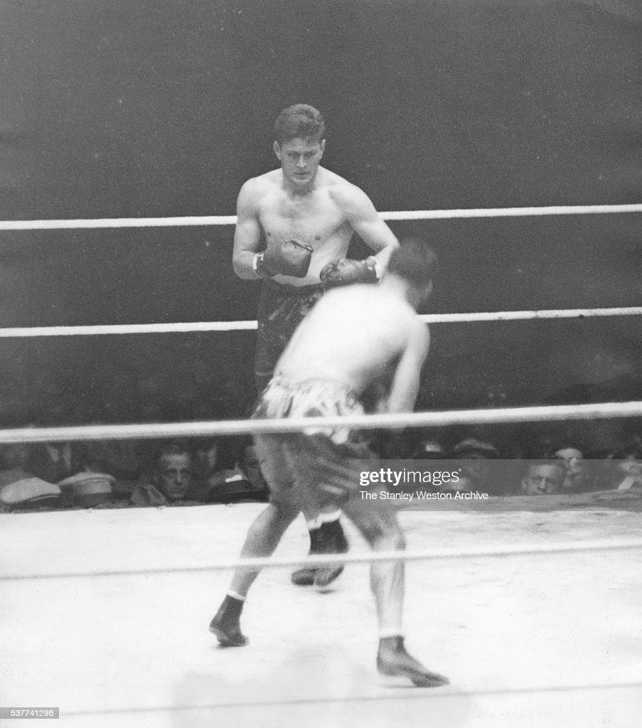 Gene Tunney vs Jack Dempsey : News Photo