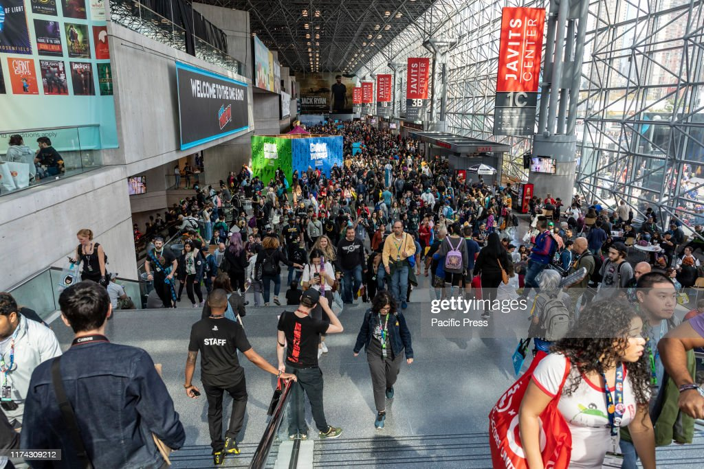 General atmosphere on convention floor during Comic Con 2019... : Foto di attualità
