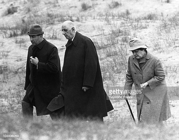 General DE GAULLE walked on the shore near Sneem with his wife Yvonne DE GAULLE