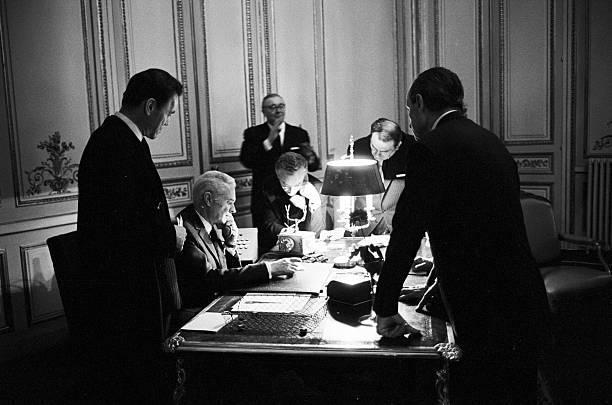 https://media.gettyimages.com/photos/general-elections-1967-paris-5-mars-1967-ambiance-des-rsultats-au-de-picture-id166695089?k=6&m=166695089&s=612x612&w=0&h=ctvP7EkHLWm17BssuxmMJKyLulISV85E2ygHfrV18LQ=