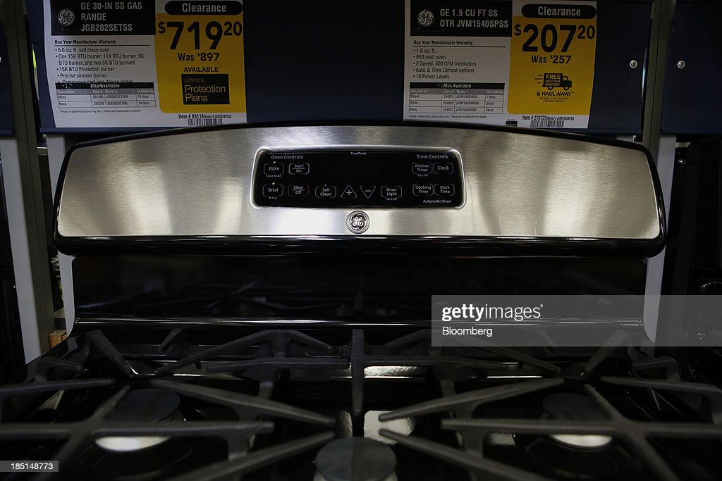 A General Electric Co. (GE) gas range is displayed for sale at a Lowe's Cos. store in Torrance, California, U.S, on Thursday, Oct. 17, 2013. General Electric Co. is scheduled to release earnings figures on Oct. 18. Photographer: Patrick T. Fallon/Bloomberg via Getty Images