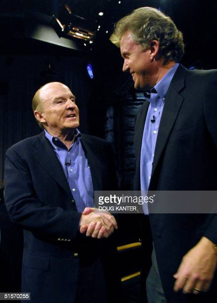 General Electric Company Chairman and CEO Jack Welch shakes hands with ChairmanElect Jeffrey Immelt at a press conference in New York announcing...