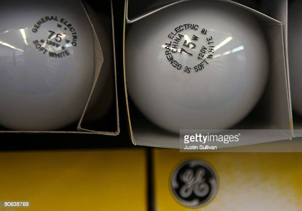General Electric light bulbs are displayed at City Lights lighting store April 11 2008 in San Francisco California General Electric reported lower...
