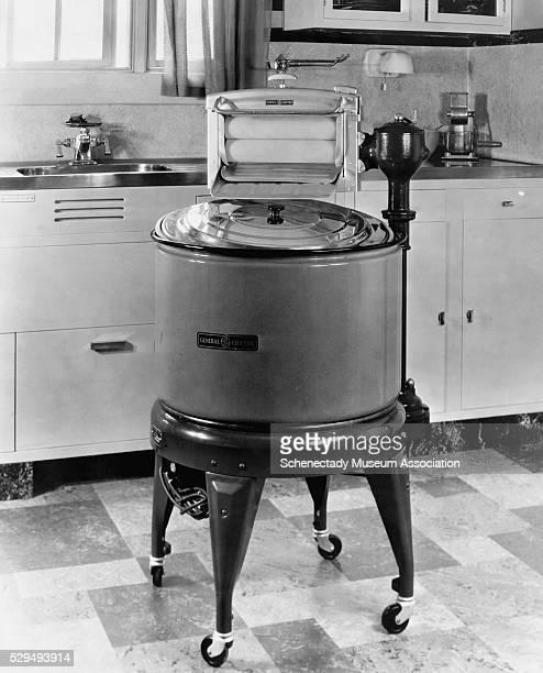 General Electric Model AW-2 Washing Machine