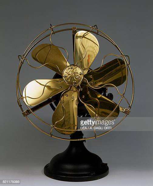 General Electric table fan in brass and iron 1910 United States of America 20th century Zoate Di Tribiano Archivio Storico Vortice United States