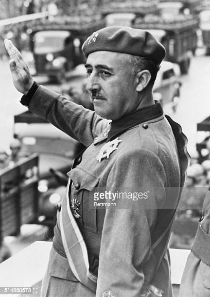 9/6/39 General Francisco Franco leader of the fascist troops during the Spanish Civil War and future dictator of Spain giving the fascist salute and...
