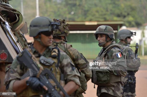 General Francisco Soriano commander of the Sangaris operation talks to French troops in Bangui on December 28 2013 The United Nations said on...
