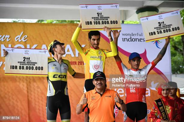 General Individual Classification winners Silver medalist Daniel Whitehouse of England and CCN Cycling Team Laos gold medalist Khalil Khorsid of...