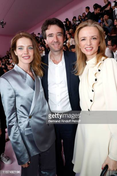 General manager of Berluti Antoine Arnault standing between Natalia Vodianova and his sister Louis Vuitton's executive vice president Delphine...