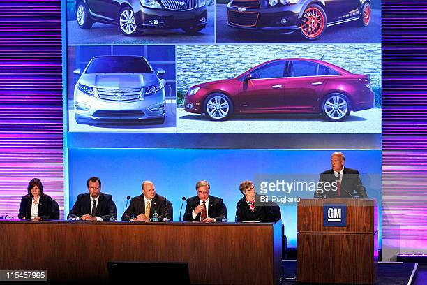 General Motors' Chairman and CEO Dan Akerson speaks at the second annual meeting of shareholders of General Motors Company June 7, 2011 in Detroit,...