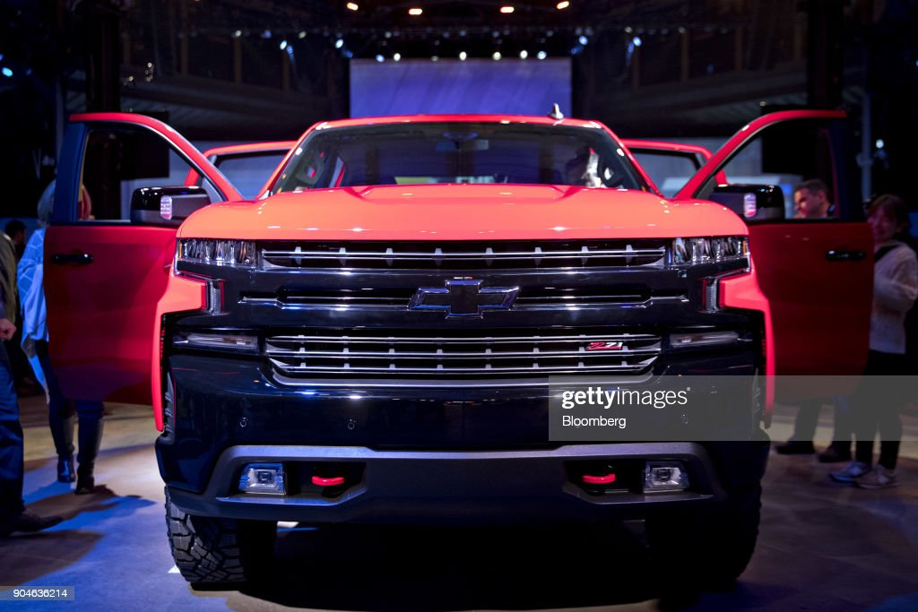 A General Motors Co. (GM) 2019 Chevrolet Silverado pickup truck sits on display after being unveiled at an event during the 2018 North American International Auto Show (NAIAS) in Detroit, Michigan, U.S., on Saturday, Jan. 13, 2018. GM kicked off the Detroit auto show by revealing all-new Silverado pickup truck that is the first all-new, completely-redesigned truck the automaker has sold since 2007. Photographer: Andrew Harrer/Bloomberg via Getty Images