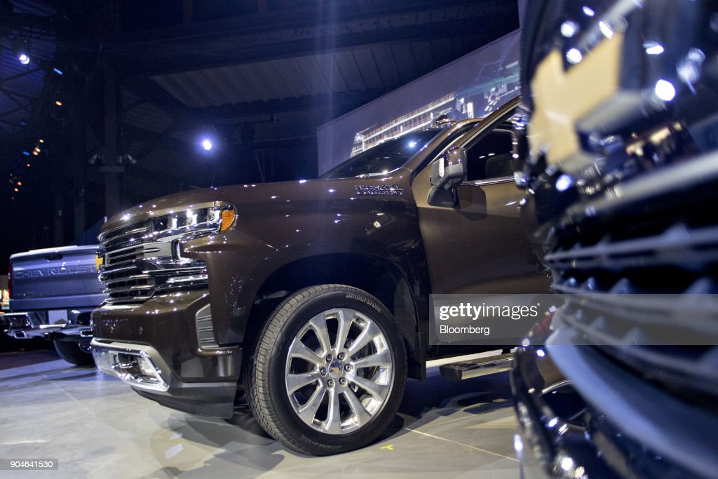 A General Motors Co. (GM) 2019 Chevrolet Silverado pickup truck sits on display during the 2018 North American International Auto Show (NAIAS) in Detroit, Michigan, U.S., on Saturday, Jan. 13, 2018. GM kicked off the Detroit auto show by revealing all-new Silverado pickup truck that is the first all-new, completely-redesigned truck the automaker has sold since 2007. Photographer: Andrew Harrer/Bloomberg via Getty Images