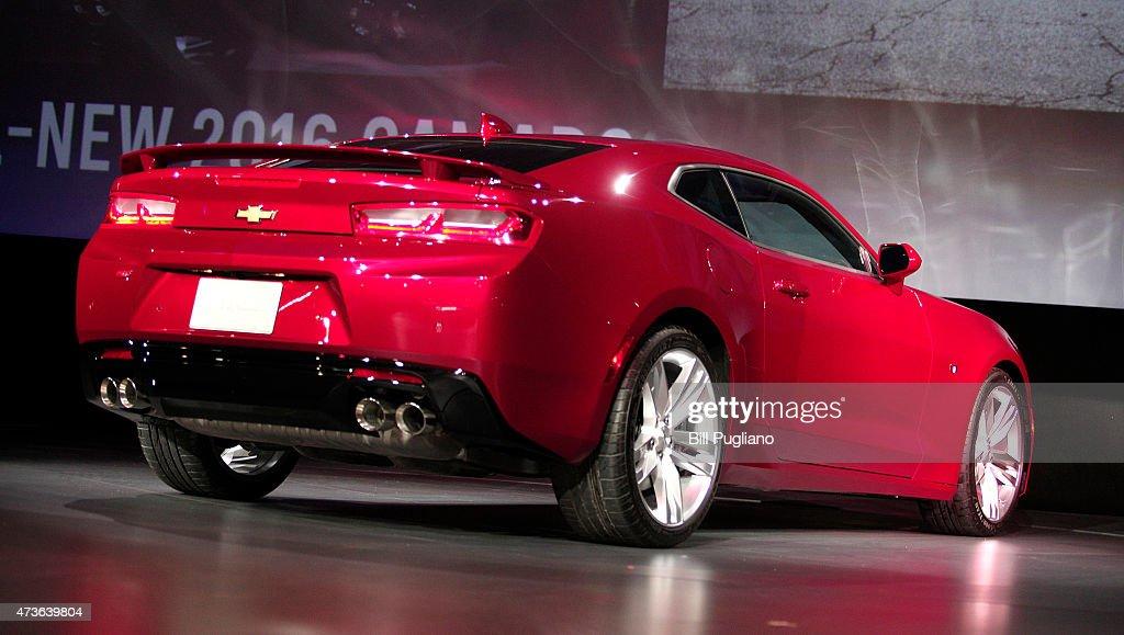 Chevrolet Reveals Its New 2016 Camaro : News Photo