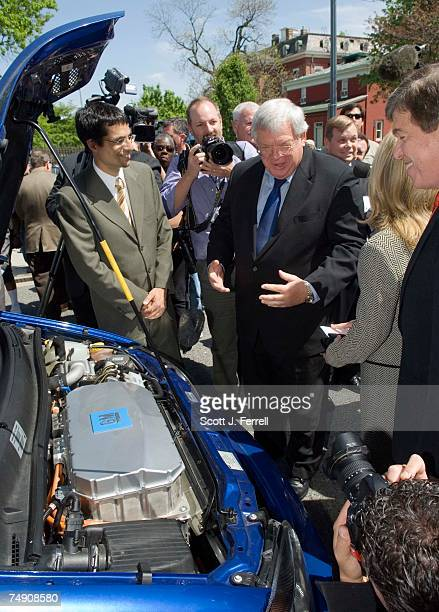 General Motors representative shows House Speaker J. Dennis Hastert, R-Ill., Rep. Marsha Blackburn, R-Tenn., and House Majority Whip Roy Blunt,...