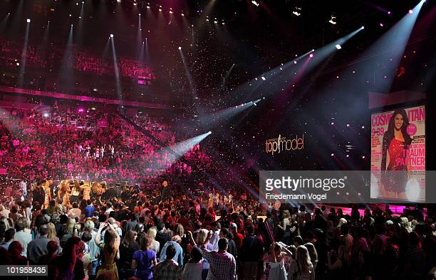 A general overview shows winner Alisar during the PRO7 TV show 'Germany's Next Topmodel Final' at the Lanxess Arena on June 10 2010 in Cologne Germany