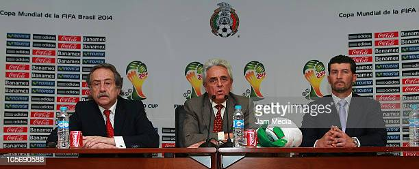 General secretary Decio de Maria Justino Compean president of FEMEXFUT and Mexican head coach Jose Manuel de la Torre during his presentation for the...