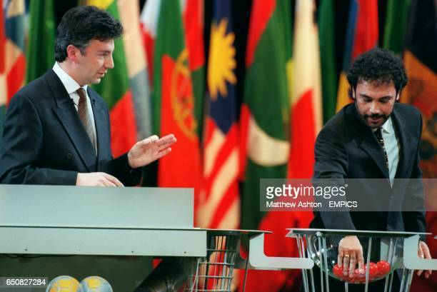 General Secretary Michel ZenRuffinen watches former Real Madrid and Mexico striker Hugo Sanchez draw out Scotland in the FIFA World Cup 2002...
