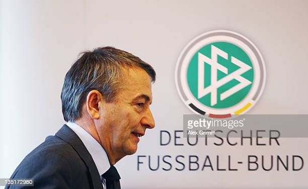 General Secretary Wolfgang Niersbach, designated successor of outgoing DFB President Theo Zwanziger arrives for a press conference after a DFB...