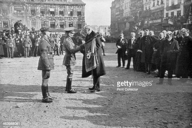 General Sir William Birdwood being recived by the mayor of Lille October 1918 General Birdwood and his troops were welcomed by joyous crowds in Lille...