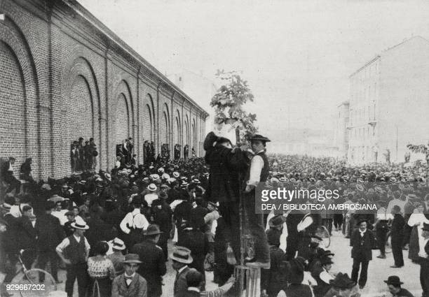 General Strike in Milan assembly at the Trade Union offices Italy from L'Illustrazione Italiana Year XL No 32 August 10 1913