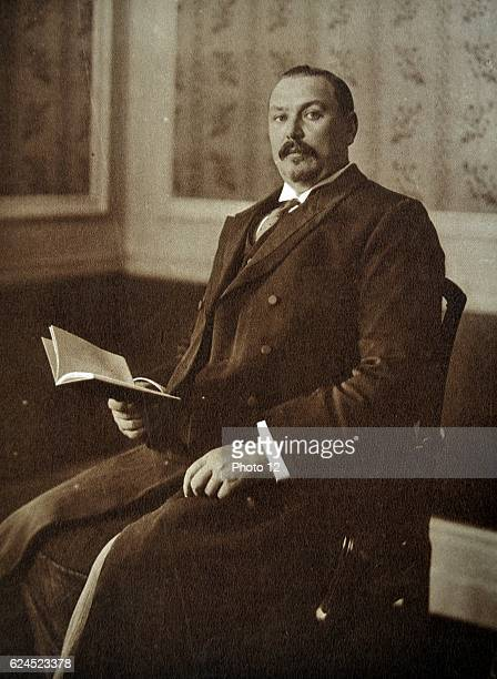 General the Right Honourable Louis Botha . The former Boer general Louis Botha, Prime Minister of Transvaal was appointed by the British crown to...