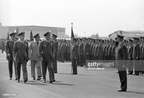 General Truman H Landon former commanderinchief of the allied tactical air fleet and the supreme commander of the US Air Force in Europe passed the...