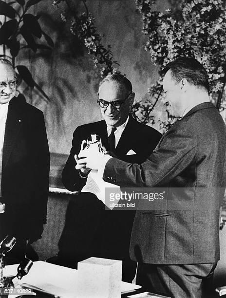 23041898 General USA 19471949 Militärgouverneur in Deutschland 1961/1962 Beauftragter Kennedys in Berlin Der Regierende Bürgermeister von Berlin...