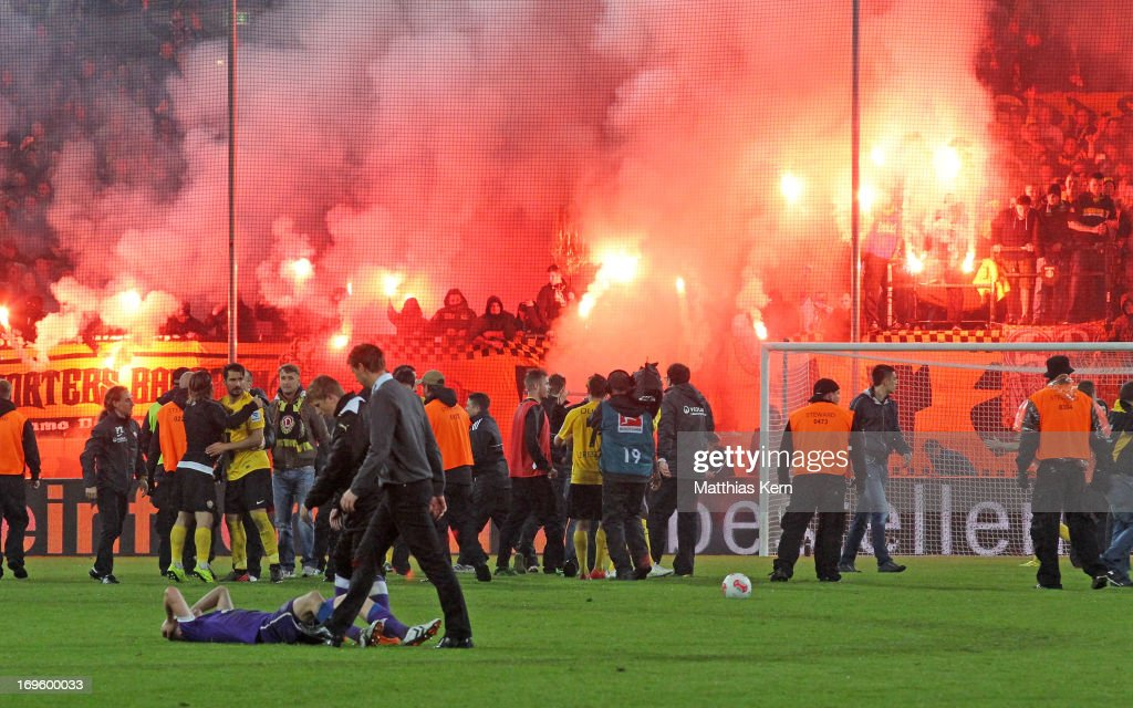 Dynamo Dresden v VfL Osnabrueck - 2. Bundesliga Playoff Second Leg : News Photo
