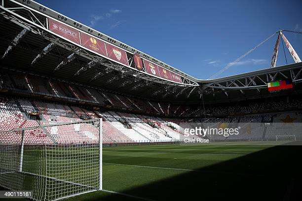 A general view ahead of the SL Benfica training session ahead of the UEFA Europa League Final against Sevilla FC at Juventus Arena on May 13 2014 in...
