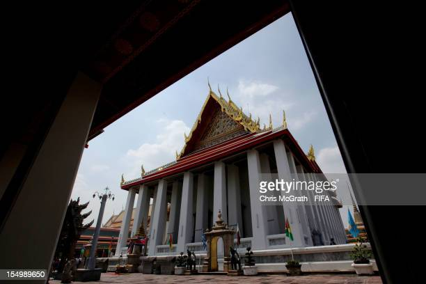 A general view around Wat Pho temple of the Reclining Buddha on October 30 2012 in Bangkok Thailand Teams from all over the world have begun arriving...