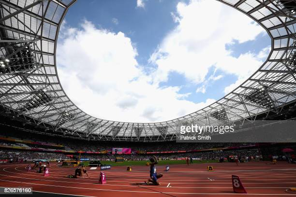 A general view as athletes take their mark in the Men's 400 metres heats during day two of the 16th IAAF World Athletics Championships London 2017 at...